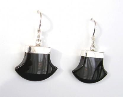 Ohrhänger Fächer polierter schwarzer Achat und Silberaufhängung