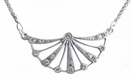Halskette im Stil der Zwanziger Jahre