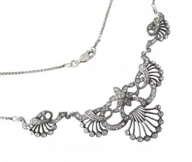 Collier im Viktorianischen Stil