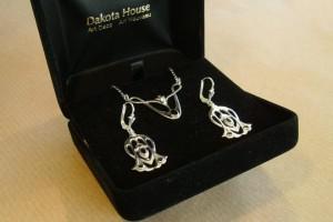 Set Silber Kette und Ohrringe im Stile von Archibald Knox