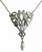 Prächtige Silberkette mit Perlenabhaengung