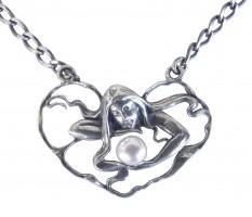 Zierliche Halskette Frau mit Perle