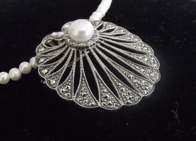 Halskette Brosche Anhänger 925 Silber mit Perlen und Markasiten an Perlenkette